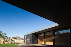 L by arquitectos matos in mosteiro, portugal - designboom | architecture & design magazine