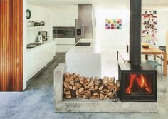 STUV WOOD STOVE. CEMENT HEARTH. -RR