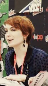 Felicia Day - Google Search Pixie Hairstyles, Cool Hairstyles, Felicia Day, I Wish I Had, Big Hair, Pixie Cut, Redheads, That Look, Short Hair Styles