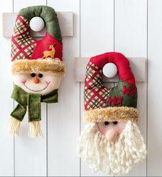 ¡Que el espíritu navideño inunde tu casa desde la entrada! Christmas Quilt Patterns, Christmas Fabric, Christmas Deco, Handmade Christmas, Vintage Christmas, Christmas Stockings, Christmas Holidays, Christmas Crafts, Xmas