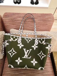 4f9363621a83 New Louis Vuitton Playful Colorful Neverfull MM Bag M44568 Khaki Green   m44568  lvneverfullm44568