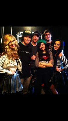 ASDFGHJKL it's Megan and Liz, Christina Grimmie, and Simply Spoons IN ONE PICTURE. If there wasn't a collaboration here, I'm gonna be upset.