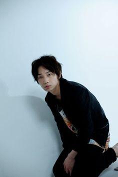 綾野剛 Nihon, Kaito, Actors & Actresses, Celebs, Japanese, Guys, My Love, People, Model