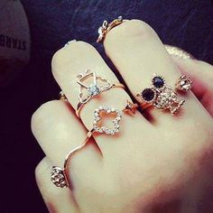 Love those amazing rings <3