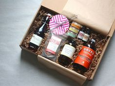 Cocktails Gift Box - can be done with non-alcoholic drinks for teens - could also include lemons/limes, olives Gift Hampers, Gift Baskets, Non Alcoholic Drinks, Cocktails, Beverages, Alcohol Basket, Cool Gifts, Diy Gifts, Diy Gift Box