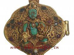 Gold_Tibetan_Buddha_Amulet_Ghau_Prayer_Box.jpg 640×480 pixels