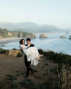 Oregon wedding at Haystack Rock near Portland, OR. Photography, Chelsea Fabrizio. Cannon Beach Elopement