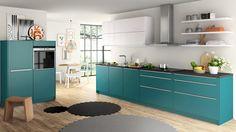 Schüller Küche: Petrol und weißes Glas Apartment Design, Kitchen Cabinets, House, Dining, Interior Design, Architecture, Storage, Table, Furniture