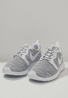 f4b26bedd0b8 audrey hammerstone Nike Tennis Shoes
