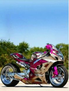 IF I EVER own a bike, it'll be this one...lol only cuz it's pretty :p
