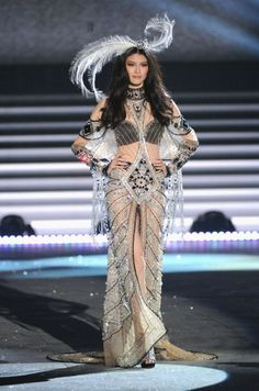 Sui He, VS Fashion Show 2012