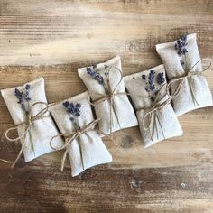 diy present Natural Cotton Sachets With Dried Lavender or Dried Rose Petals-Wedding & Party Favor-Rustic/Natural-Engagement/Bridal Shower-Garden Wedding Lavender Crafts, Lavender Bags, Lavender Sachets, Lavander, Rose Petals Wedding, Wood Trunk, Dried Rose Petals, Wedding Party Favors, Wedding App