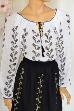 Ie Romaneasca Clara - Chic Roumaine Cross Stitch Designs, Embroidery, Long Sleeve, Sleeves, Outfits, Tops, Women, Fashion, Home