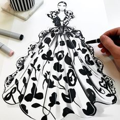 On the desk playing catch-ups, one of my favourite shows to date from Paris fashion week. Can not wait… Paris Fashion, Fashion Art, Fashion Models, Fashion Illustration Sketches, Fashion Sketches, Unique Drawings, Clothing Sketches, Dress Drawing, Fashion Design Drawings
