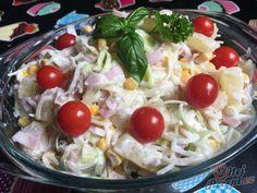 Taková klasika, která u nás doma nesmí chybět k nedělnímu obědu. Pokud jste tento celerový salát ještě nezkoušeli, tak je čas změnit to. Autor: Mineralka Pasta Salad, Potato Salad, Potatoes, Eat, Ethnic Recipes, Pineapple Salad, Top Recipes, Food Food, Bakken