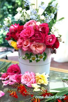 casa dulce hogar: Rosas, Hemerocalis, Crocosmia