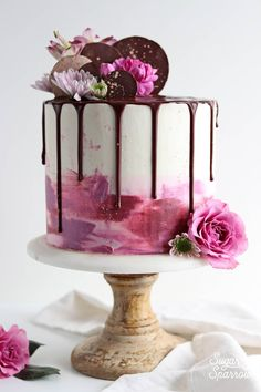 11 Dreamy Drip Cakes Almost Too Pretty To Eat - XO, Katie Rosario A drip cake is so versatile, fun and darn tempting that it's easy to see why everyone loves them. These 11 dreamy drip cakes are quite easy to make and will be the star of the show! Creative Cake Decorating, Birthday Cake Decorating, Cake Decorating Techniques, Creative Cakes, Decorating Cakes, Decorating Ideas, Chocolate Birthday Cake Decoration, Sugar Decorations For Cakes, Birthday Decorations