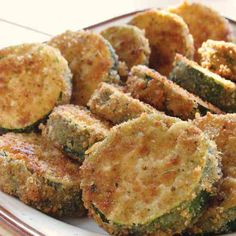 Fried Zucchini - A fried food you don't feel so bad about eating! Great as an appetizer or side dish! Fried Zuchinni, Fried Zucchini Recipes, Zucchini Fries, Breaded Zucchini, Meatball Recipes, Steak Recipes, Cooking Recipes, Cooking Tips, Ranch Chicken Recipes