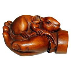 Box Wood Hand Carved Mouse in Hand Netsuke