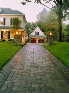 Traditional Home - with an awesome driveway!!! - via Estelle's: YOU'RE SO PRETTY