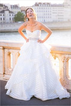 Gold glamour wedding in Paris. Captured By: Le Secret d'Audrey & One and Only Paris Photography #weddingchicks http://www.weddingchicks.com/2014/10/02/gold-glamour-wedding-in-paris/