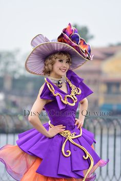 ファッショナブル・イースター ダンサー Carnival Costumes, Disney Costumes, Cosplay Costumes, Halloween Costumes, Theme Park Outfits, Kitten Play Collar, Female Dancers, Disney Shows, Beautiful Costumes