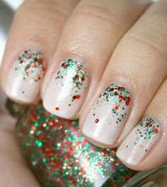 Sparkle and shine with festive holiday glitter! Add just the right amount of glitz with a gradual transition from glitter to natural nails!