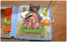 Teddyhaus für unterwegs Spielhaus aus Wollfilz Quiet book - teenytinymom - Klitzekleine Mama - DIY - Reiseblog Oregon