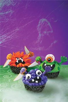 Wilton® Halloween Monster Cupcakes