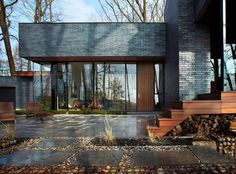 Fallsview Residence in Dundas: Ontario Property: Canadian Architecture - design by Setless Architecture - Bruce Trail House, Ontario Property, Canadian Home Images, Building Project Architecture Photo, Residential Architecture, Sustainable Architecture, Contemporary Architecture, Suppose Design Office, Derelict House, Brick And Wood, Villa, Wallpaper Magazine