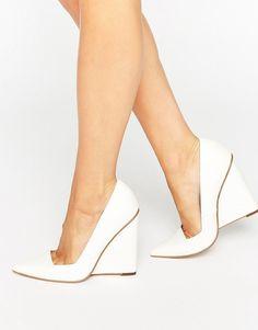 a1c650f88815c ASOS - PULSE - Chaussures compensées à bout pointu Pointu, Chaussures  Compensées, Asos,