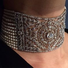 Nice neck, even nicer now!! Diamond and pearl Belle Époque choker, circa 1910. From the estate of Carroll Petrie. Christies Magnificent Jewels auction kicks off tomorrow. @christiesjewels @christiesinc #belleepoquejewels #diamondchoker #diamonds #antiquejewellery