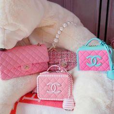 Do You Also Have Pink Addiction? - Image via Do You Also Have Pink Addiction? - Image via Luxury Purses, Luxury Bags, Luxury Handbags, Purses And Handbags, Cheap Handbags, Fabric Handbags, Popular Handbags, Handbags Michael Kors, Pink Chanel Bag
