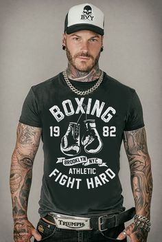 T-Shirt - Oldschool Lifestyle Hairy Men, Bearded Men, Rockabilly T Shirt, Outfit Hombre Formal, Sexy Tattooed Men, Bearded Tattooed Men, Hot Guys Tattoos, Mode Man, Style Masculin