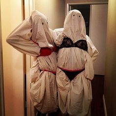 44 Fabulously Funny Halloween Costumes For Women Sexy Ghosts Funny Halloween Jokes, Halloween Kostüm, Halloween Cosplay, Homemade Halloween, Halloween Makeup, Ghost Costumes, Funny Costumes, Costumes For Women, Awesome Costumes