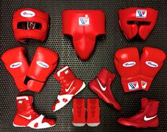 SEE RED!! What do you think of these two Winning and Nike sparring sets? All of gear in this picture is available for next working day delivery!! Follow the link: http://www.geezersboxing.co.uk/catalogsearch/result/index/?manufacturer=617&q=WINNING+BOXING #winning #winningboxing #boxing #sparring #gloves #boxinggloves #nike #nikeboots #nikeboxing #hyperko #geezers #geezersboxing