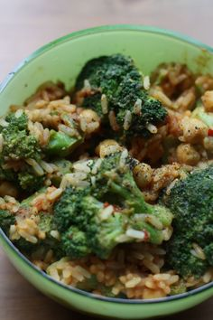 Diese Reispfanne mit Brokkoli und Senfsauce genoss Lea an ihrem Vegan Wednesday
