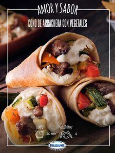 #VuelveACasa y disfruta con personas especiales unos Conos de Arrachera. ¡Les encantarán! #recetas #quesophiladelphia #vegetales #arrachera #tortillas #recetasfindeaño