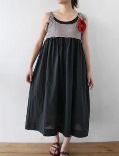 elbiseyi böyle çalışıp üzerine uzun kollu yanları sarkan kısa laş bi bluz çalışıcam