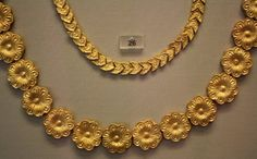 Mycenaean Gold Necklaces, Dendra  A Mycenaean gold necklace from Dendra, 15-14th centuries BCE. (National Archaeological Museum, Athens)