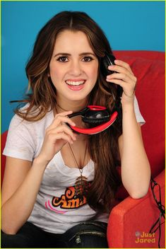 Laura Marano Is Juggling Music & Politics Classes All At Once at USC: Photo Laura Marano takes a break from listening to some music during a recent photo shoot in New York City. The singer/actress was seen modeling a George… Laura Marano, Vanessa Marano, Disney Actresses, Actors & Actresses, Hollywood Celebrities, Hollywood Actresses, Top Singer, Miranda Cosgrove, Austin And Ally