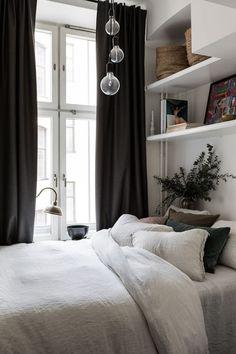my scandinavian home: Bedroom in a small Swedish space, that's big on cosiness! my scandinavian home: Bedroom in a small Swedish space, that's big on cosiness! One Bedroom Apartment, Cozy Bedroom, Apartment Design, Home Decor Bedroom, Apartment Therapy, Scandinavian Bedroom, White Bedroom, Bedroom Furniture, Bedroom Bed