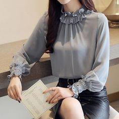 I like this grey blouse for office Kurti Sleeves Design, Sleeves Designs For Dresses, Hijab Fashion, Korean Fashion, Fashion Dresses, Fall Fashion, Latest Fashion, Womens Fashion, Grey Blouse