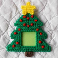 Plastic Canvas: Holiday Frames Magnets Christmas set of 3 Plastic Canvas Christmas, Plastic Canvas Crafts, Picture Frame Ornaments, Picture Frames, Christmas Crafts, Christmas Ornaments, French Knots, Jingle All The Way, Christmas Settings