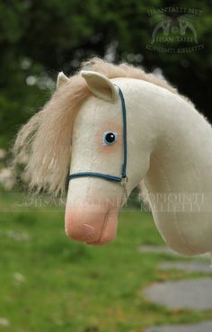 Fun Crafts, Paper Crafts, Stick Horses, Horse Crafts, Hobby Horse, Horse Stables, Spirit, Antiques, Horses
