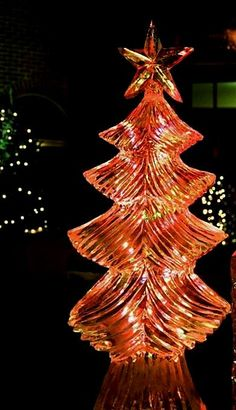 christmas+sculpture+ | Christmas tree ice sculpture with lights frozen inside