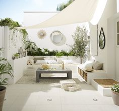 Kleiner Garten im Ibiza-Stil - melissa van der graaff - Dekoration Outdoor Living Rooms, Outdoor Spaces, Living Spaces, Outdoor Decor, Outdoor Seating, Outdoor Retreat, Outdoor Lounge, Living Area, Patio Interior