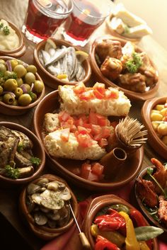 ... tapas significam delicioso e imperdível. // ... tapas mean delicious and unforgettable.