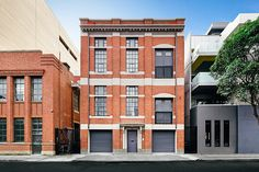 Designed by Sir John Monash in 1900, this Melbourne Post Office Conversion updates the space for modern living without losing the details that make it special. Details like the exposed metal trusses, original Jarrah floorboards, and metal French doors that...