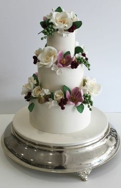 Beautiful Faye Cahill cake.       ᘡղᘠ